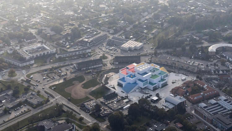 In Danimarca apre LEGO House (inutile dirlo, è a forma di mattoncini colorati)