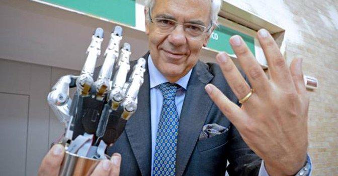 «In Italia non c'è una strategia politica per coltivare i nostri cervelli», dice uno dei papà della robotica