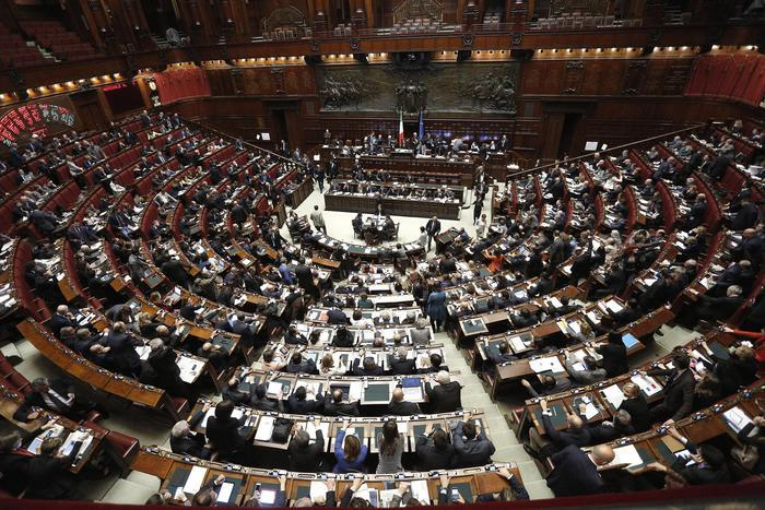 Aula della Camera durante esame e votazione delle questioni pregiudiziali su ''Election Day'', Roma, 28 Aprile 2015. ANSA/ GIUSEPPE LAMI