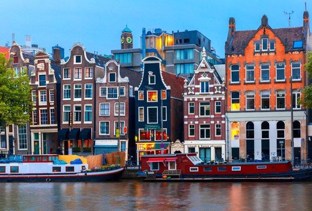 Amsterdam contro Airbnb: dimezzato il limite di pernottamenti