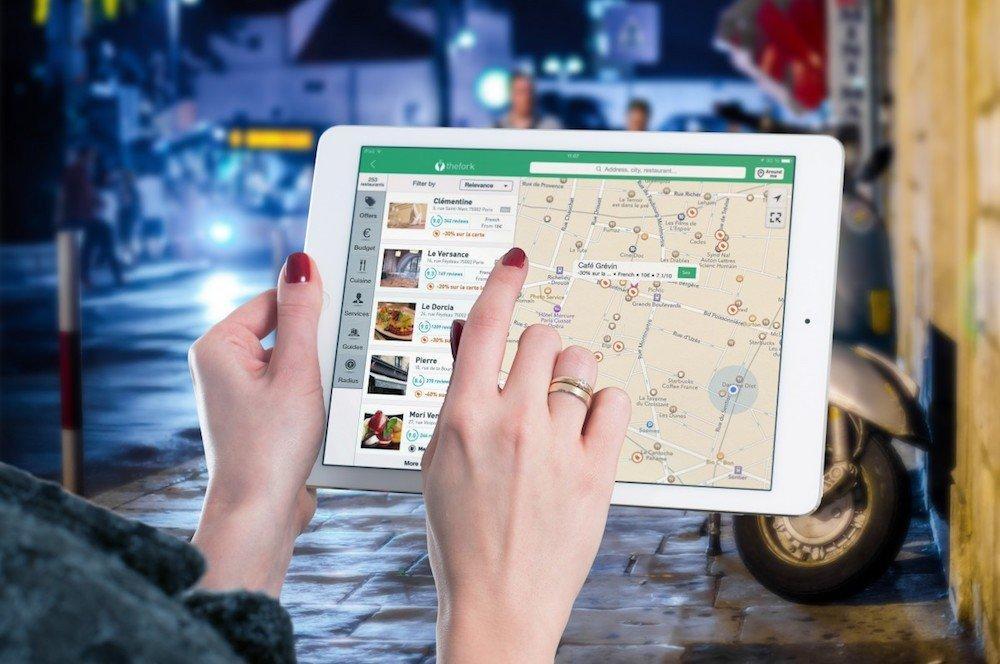 Prevedere le prenotazioni e altri usi dell'intelligenza artificiale nel turismo