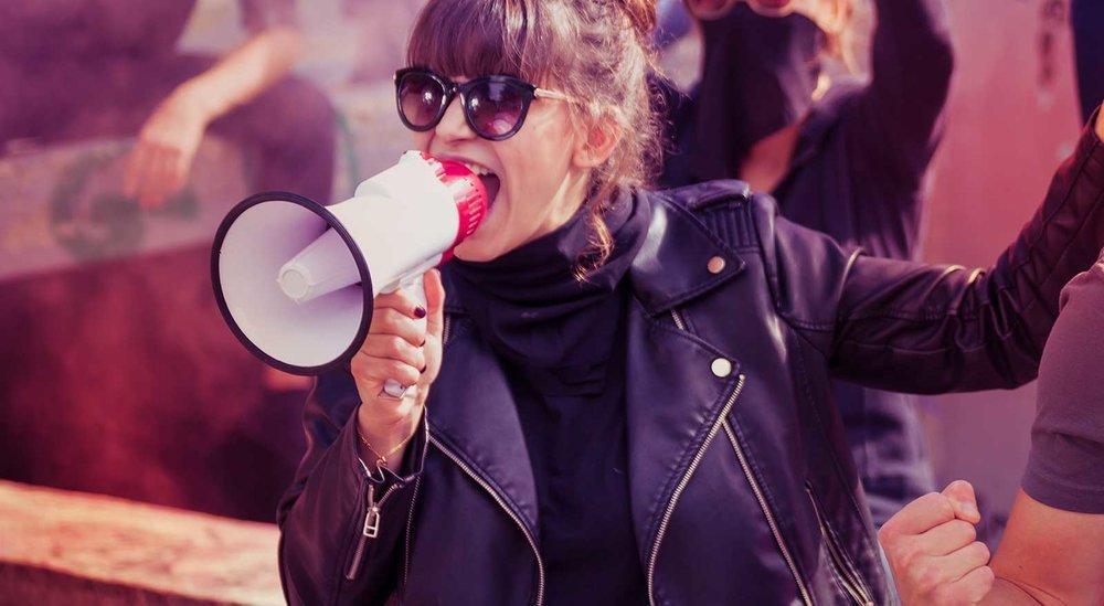 Gli effetti sui brand quando fanno politica sui social. Uno studio (dagli Usa)