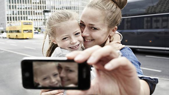 La legge protegge la privacy dei minori sui social, anche dai comportamenti dei genitori indisciplinati