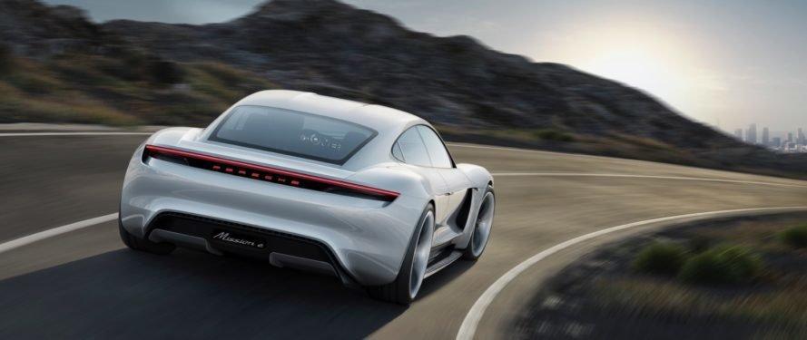 Porsche_Mission_E_Concept_0001-889x375