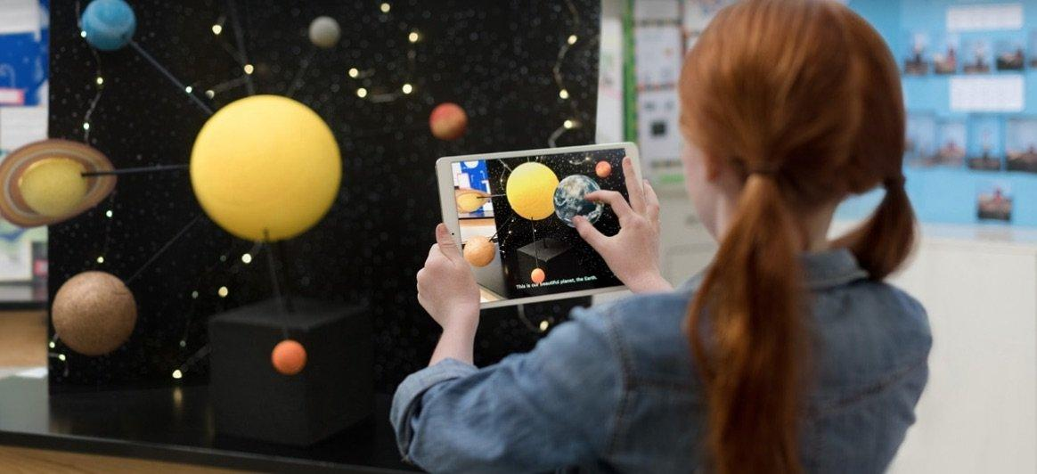 Apple porta la rivoluzione digitale nelle scuole con un nuovo iPad low-cost
