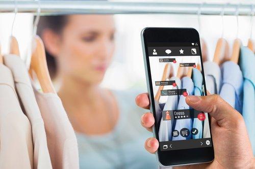 Chi è, cosa fa e come acquista il consumatore digitale