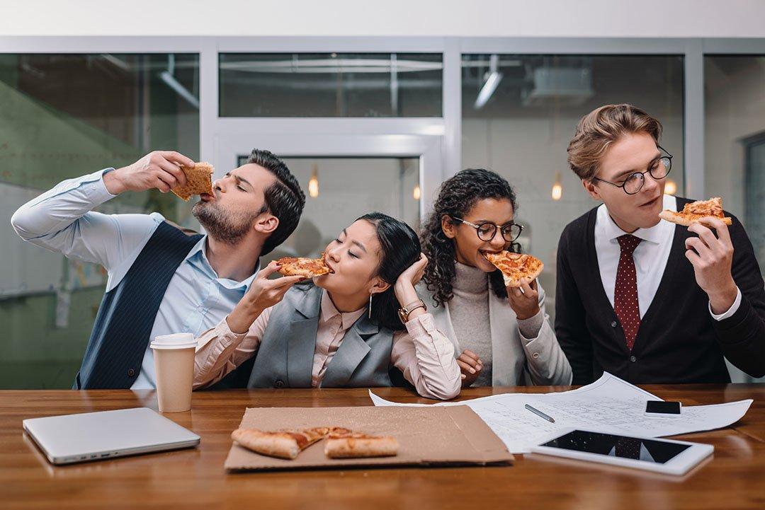Cene aziendali? Meglio spendere quei soldi in crescita personale dei dipendenti
