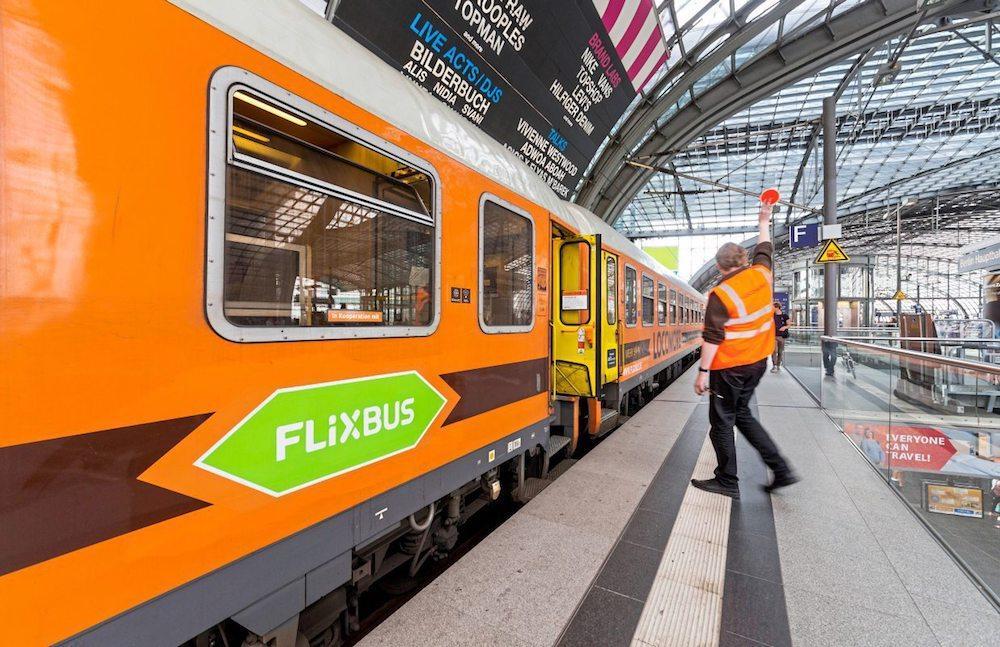 FlixBus s'inventa FlixTrain: low cost, Wi-Fi e film anche sui binari