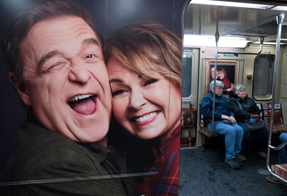 ABC trasforma la metro di New York nel salotto di Roseanne