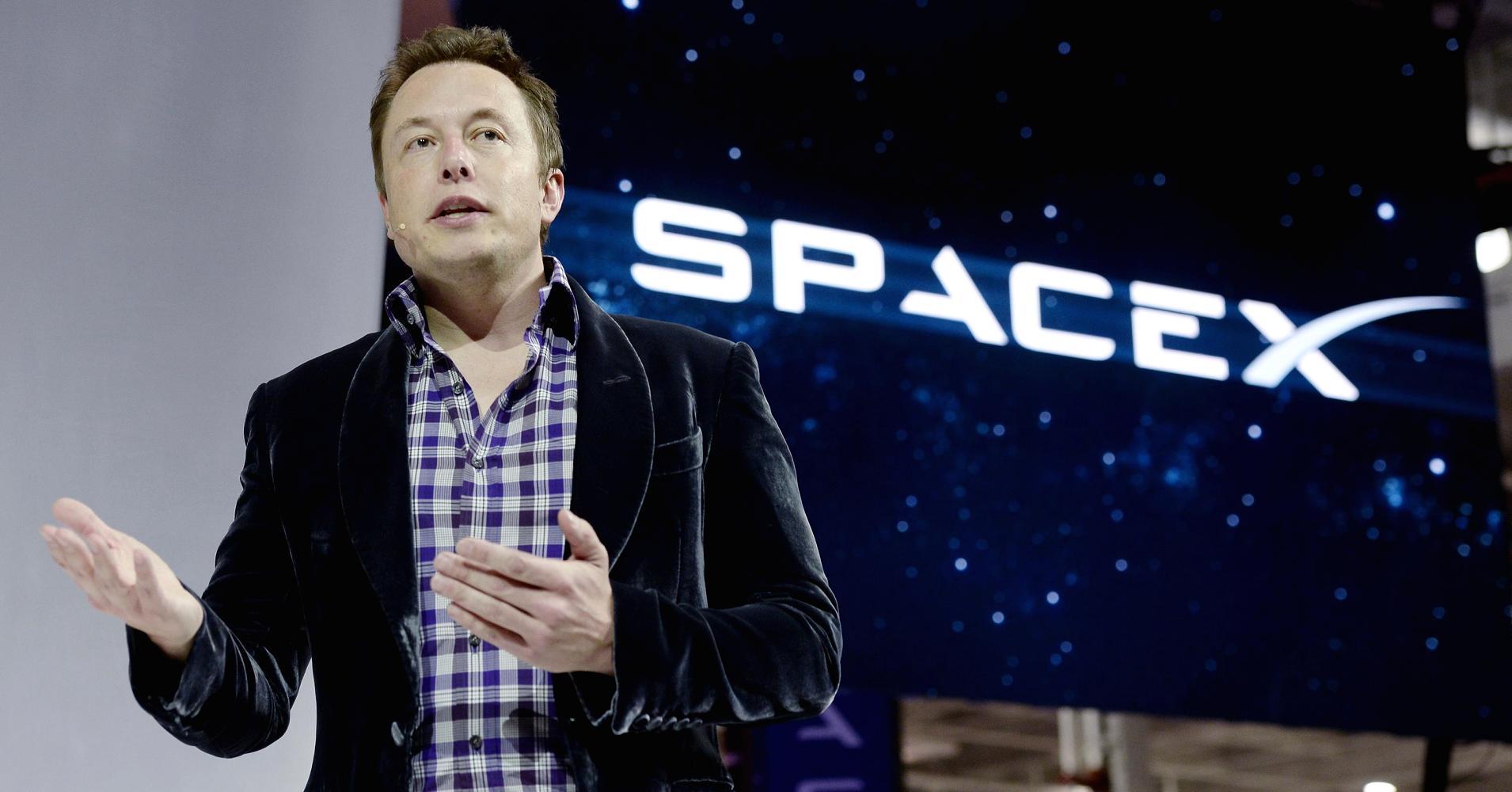 Elon Musk dice che Marte non sarà un rifugio per ricchi (ma il biglietto costerà 200mila dollari)