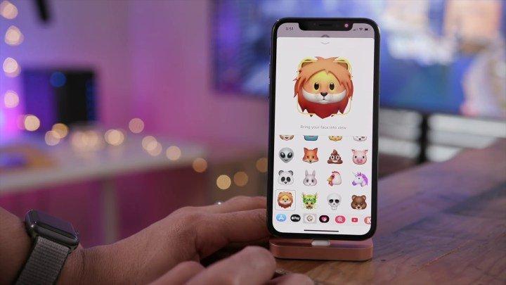 Apple rilascia un nuovo aggiornamento per iPhone e iPad (e ci sono anche nuove Animoji)