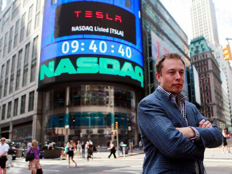 Con il profilo del guidatore e il pilota automatico Tesla vuole rivoluzionare il mercato delle assicurazioni