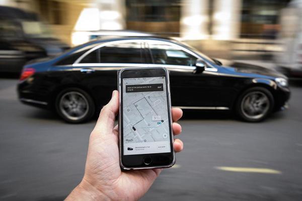 Toyota e Softbank vogliono investire 1 miliardo in Uber. Che cosa sappiamo