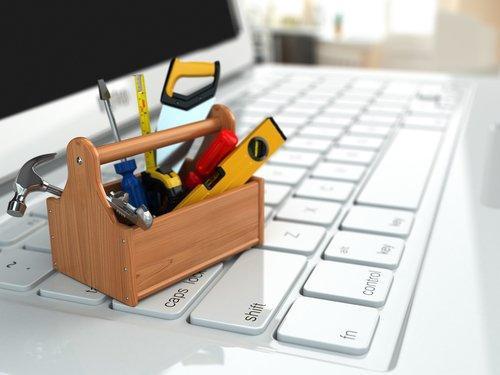 Tutti i tool gratuiti e low cost di cui non puoi fare a meno per lavorare sui social