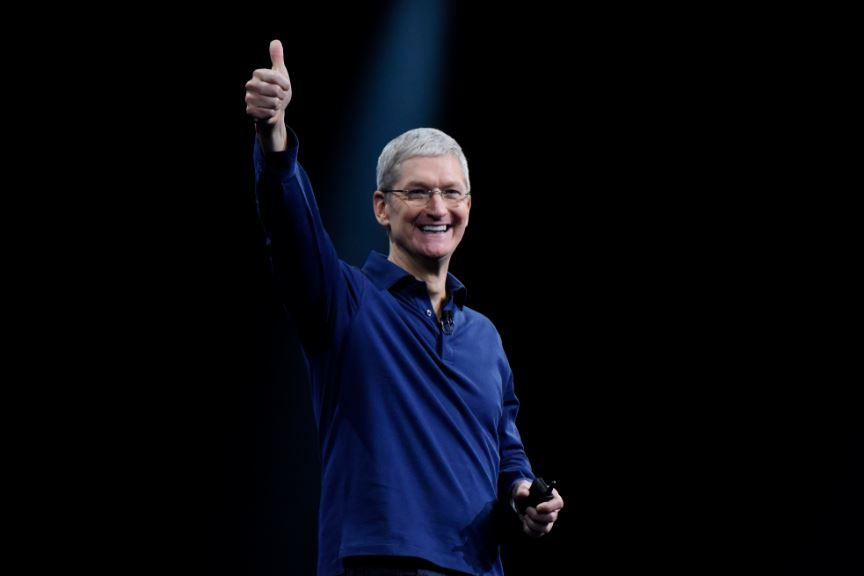 Apple oltre le attese. Cook: da iPhone X dati sorprendenti