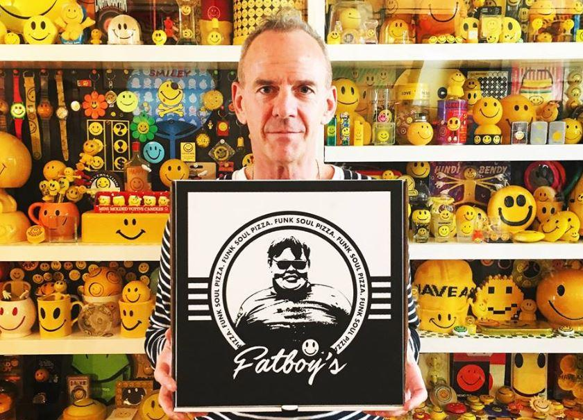 "Fatboy Slim celebra i 20 anni di ""You've Come a Long Way, Baby"" con un pizza packaging"