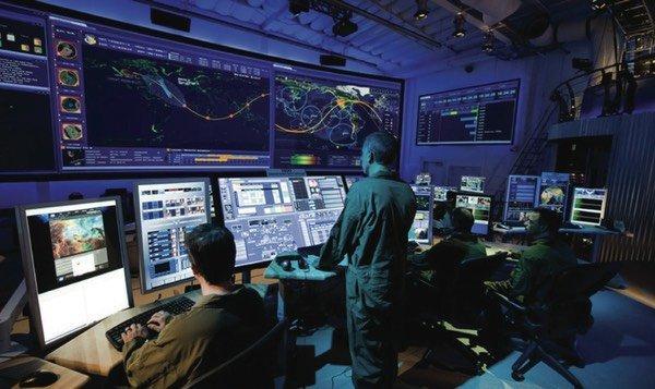 Dipendenti di Google in rivolta: Mai più tecnologia per la guerra. Intanto Amazon…