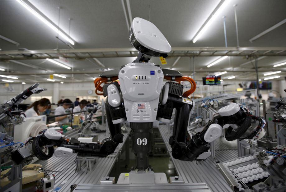 Abbiamo bisogno di nuove leggi della robotica per tutelare i lavoratori