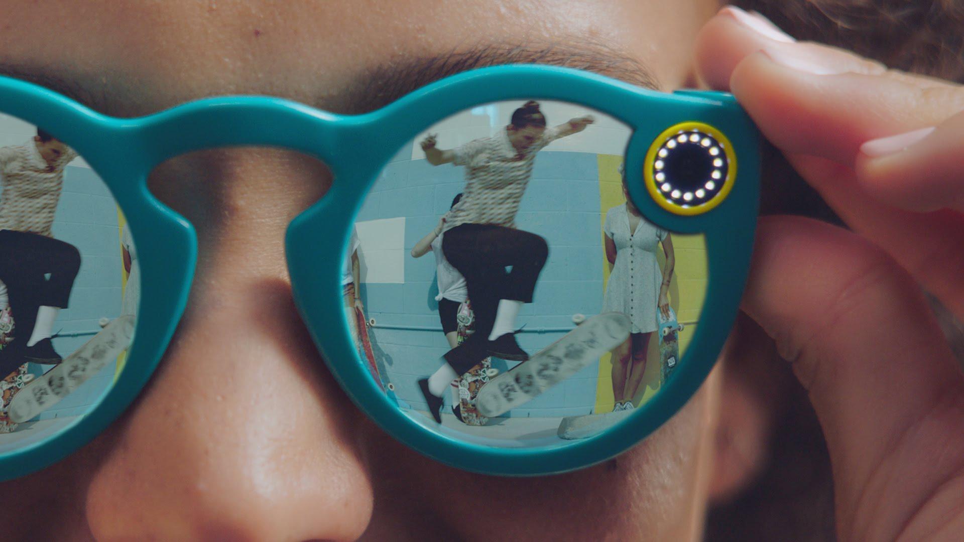 Snapchat lancia i nuovi camera glass Spectacles V2