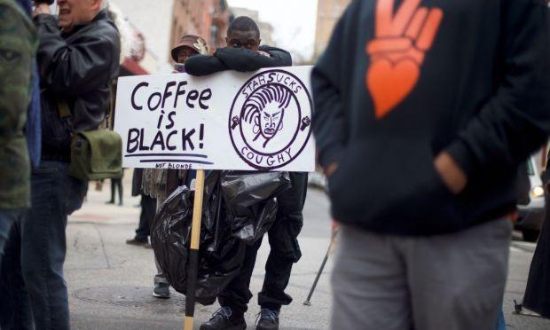 Starbucks ha un problema con il razzismo