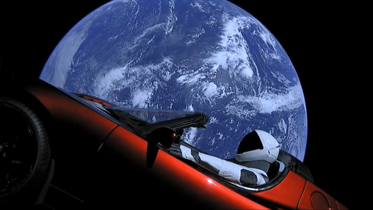 Dal riciclo dei cellulari al futuro dei trasporti, 5 spunti tech per la Giornata della Terra