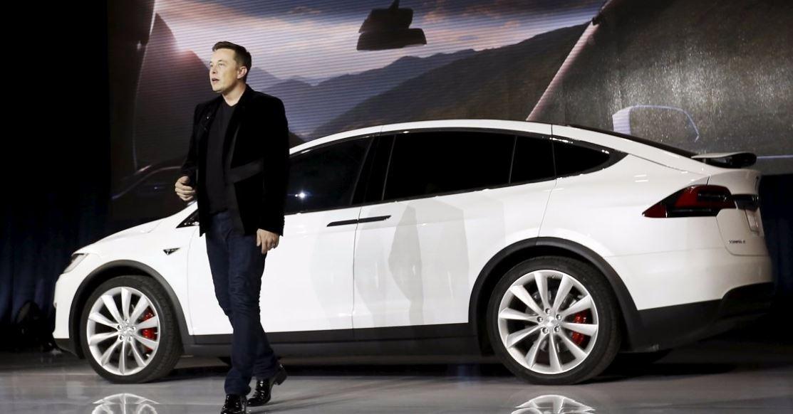 Tesla interrompe la produzione di Model 3 (per ora)