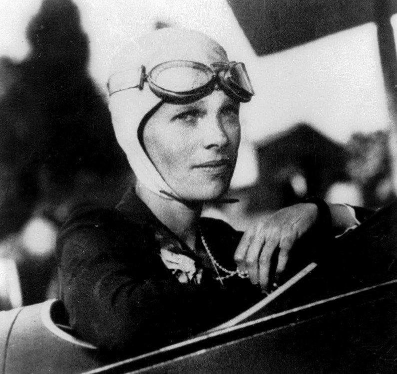 Amelia-Earhart-6