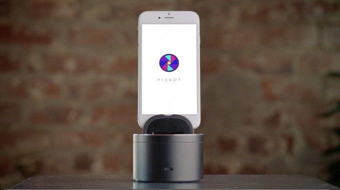 Usare selfie e video-selfie con il tracciamento facciale automatizzato di PicBot