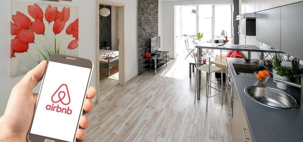 Airbnb: gli host potranno ospitare gratis in caso di emergenza