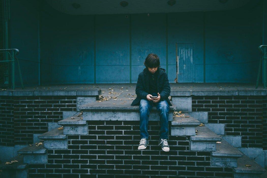 Troppa tecnologia: i bambini preferiscono gli schermi alle persone