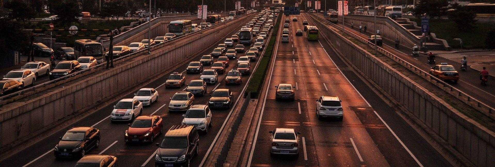 Il piano della Cina per tracciare le auto con i chip RFID