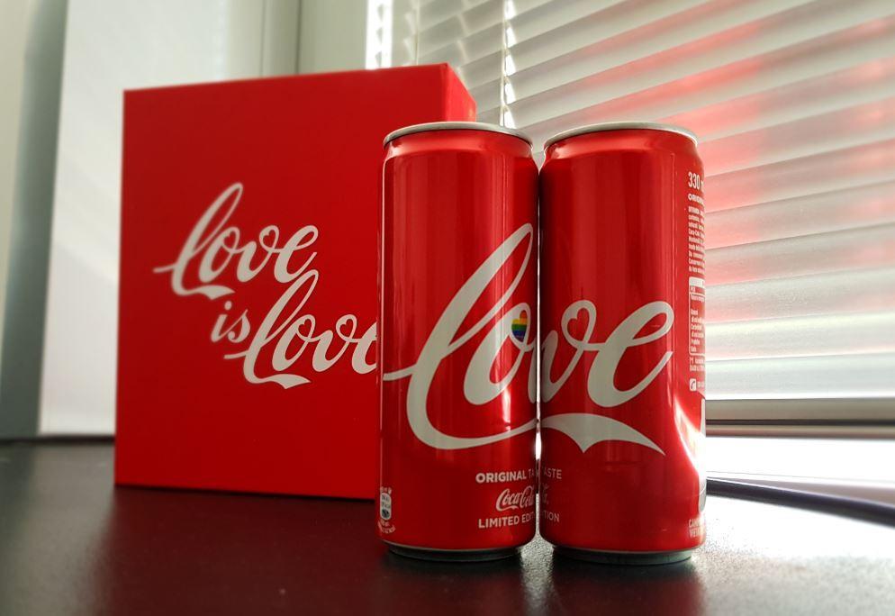 Coca-Cola celebra la diversità da sempre e oggi lo fa con una lattina arcobaleno