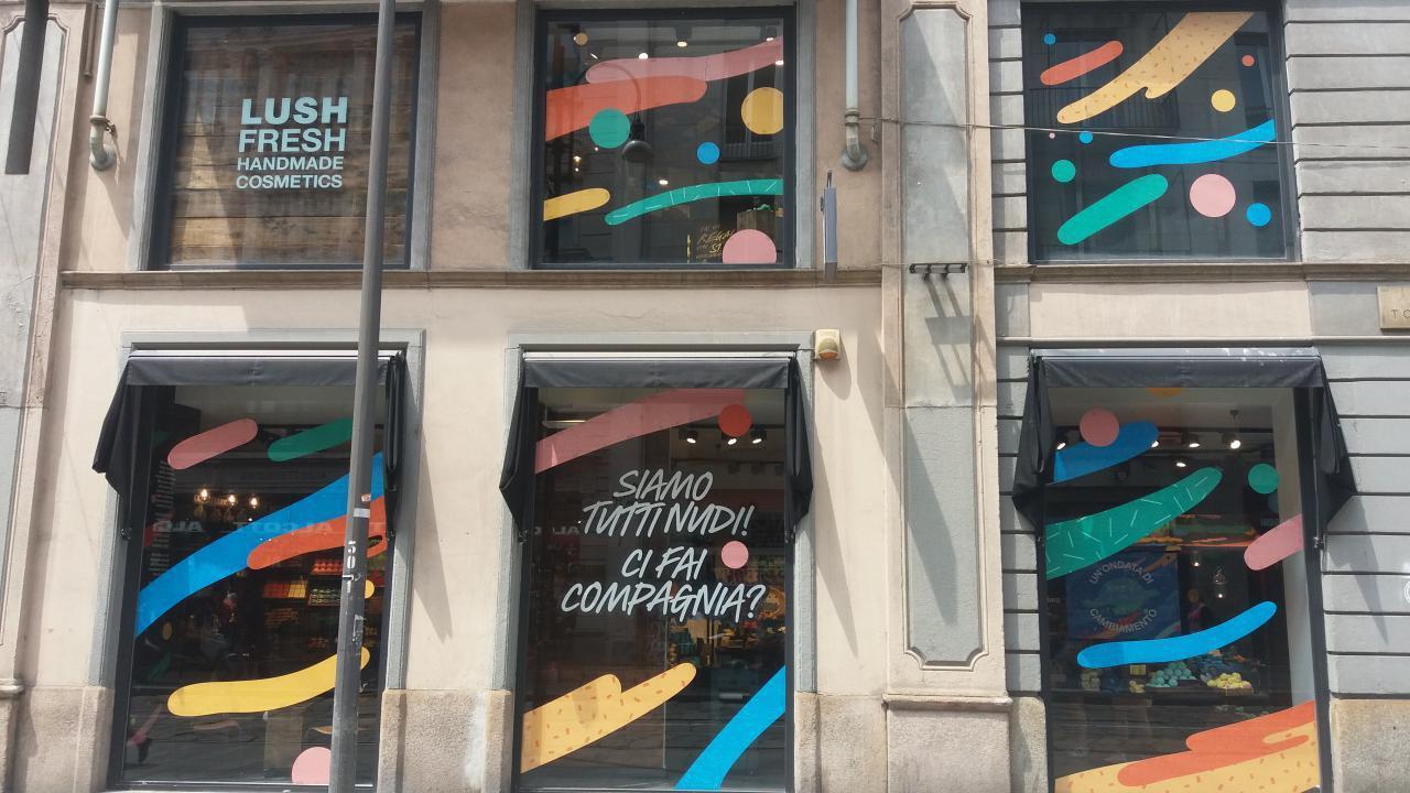 Lush apre a Milano un negozio dove i prodotti non hanno confezione