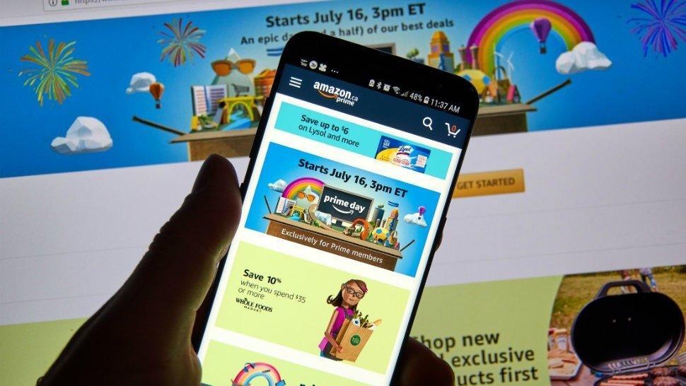 Amazon-Prime-Day-on-phone
