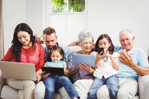Come nascono le community sui social e perché tutti ci identifichiamo in un gruppo Facebook
