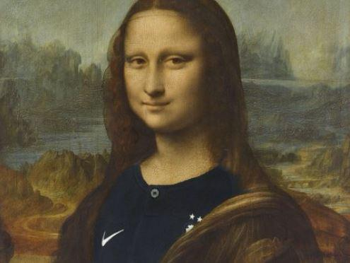 La Francia vince i Mondiali e il Louvre twitta la Gioconda con la divisa dei Bleus