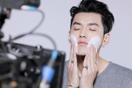 makeup-maschile-cina-6