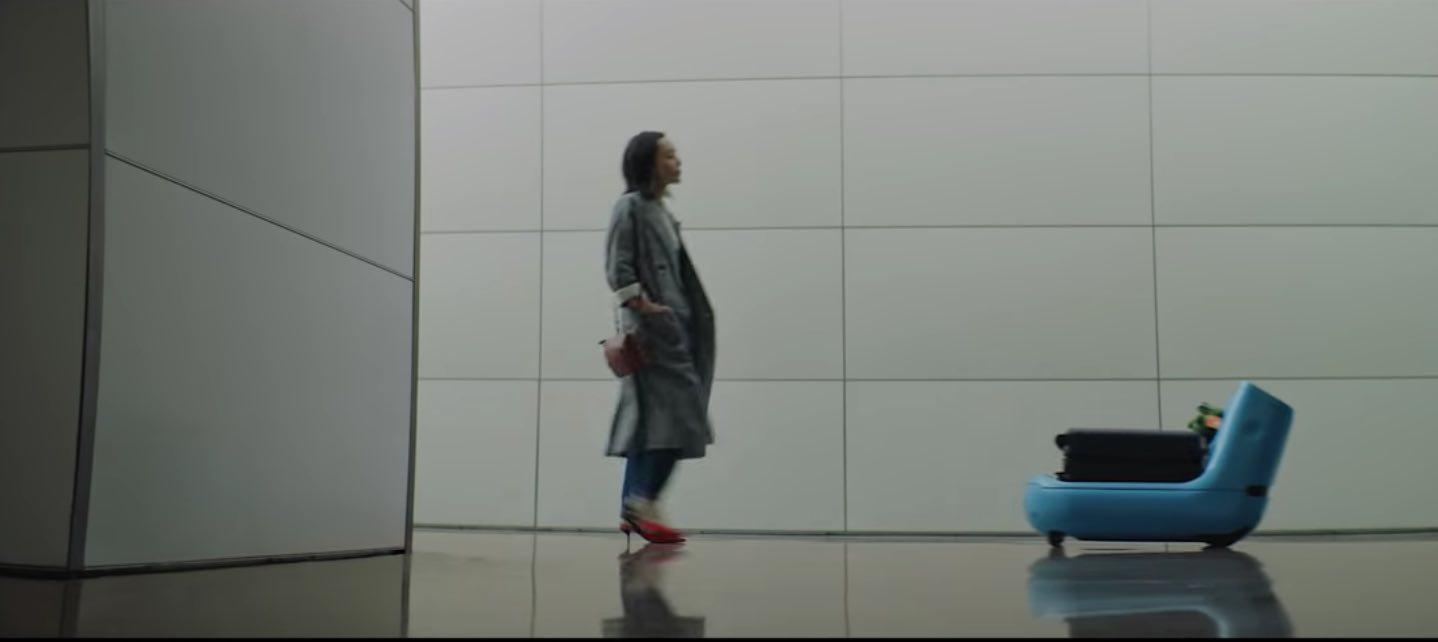 Questo simpatico robottino trasporta i tuoi bagagli in aeroporto (se voli con KLM)