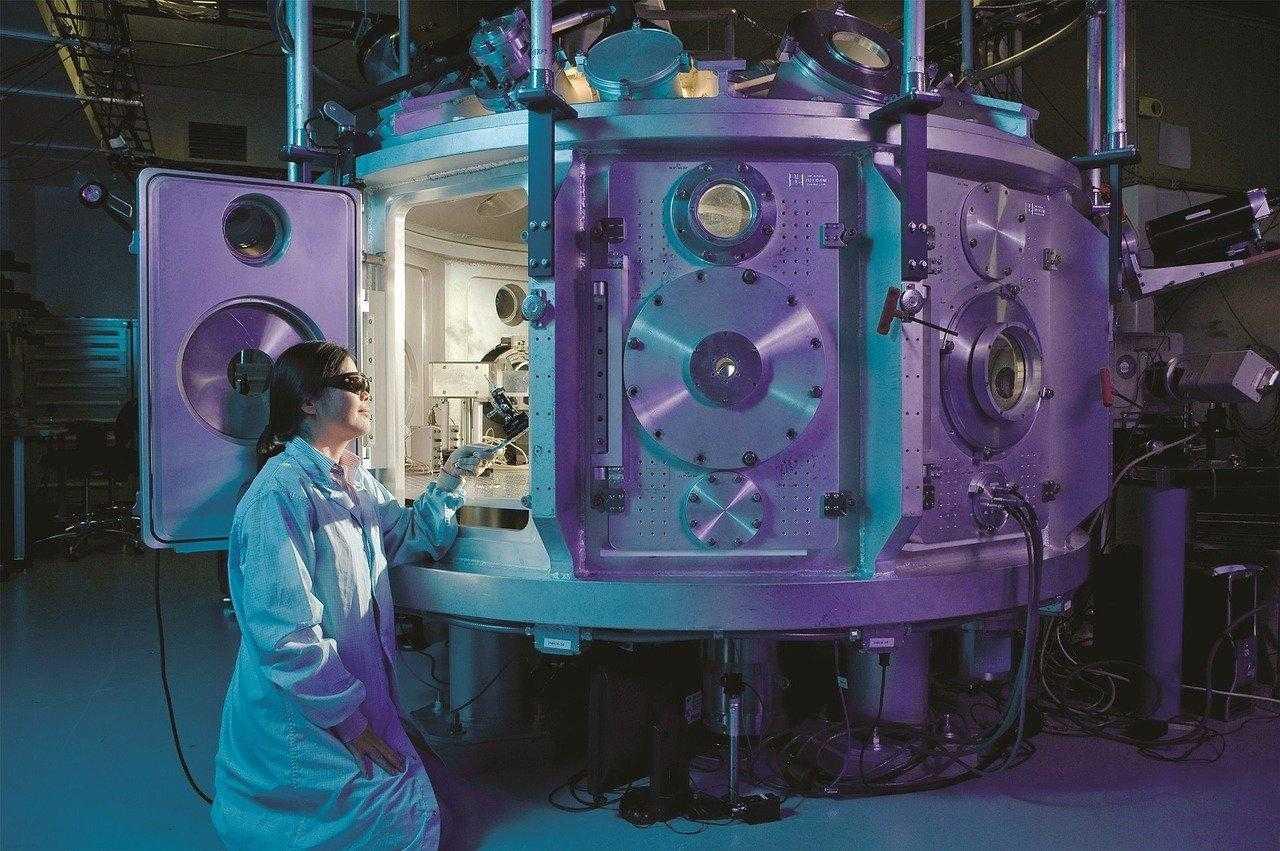 La tecnologia sta rivoluzionando la ricerca scientifica (ma il vero nemico è la burocrazia)