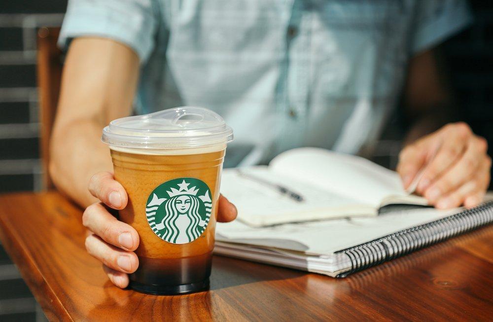 Starbucks vuole conquistare Milano e apre altre 3 caffetterie in un mese
