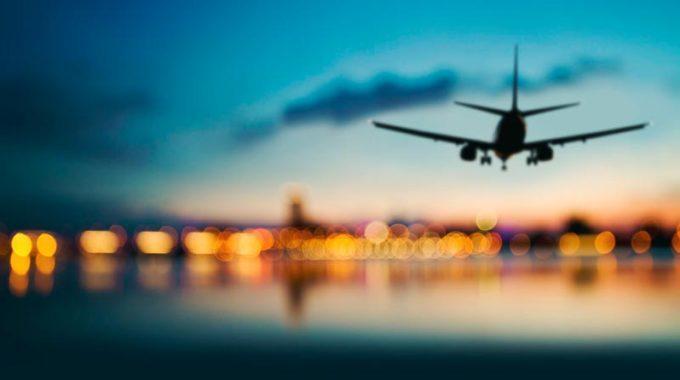 Il momento migliore per prenotare voli aerei risparmiando, secondo il report di Expedia