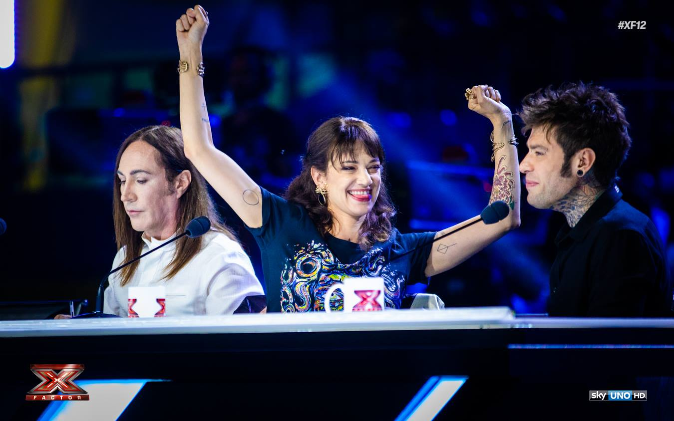 Perché X Factor ha rimosso Asia Argento (e come i talent scelgono i giudici)