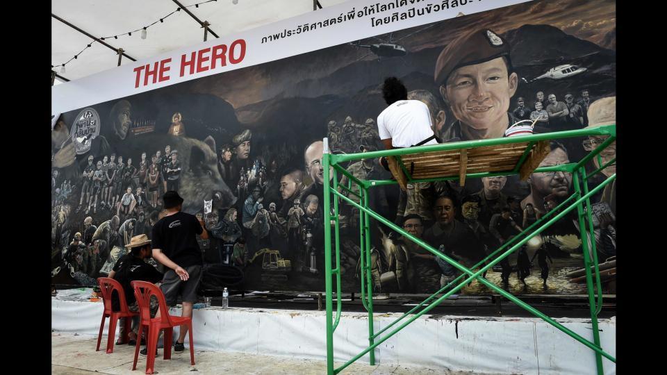 eroi-thailandia-murale
