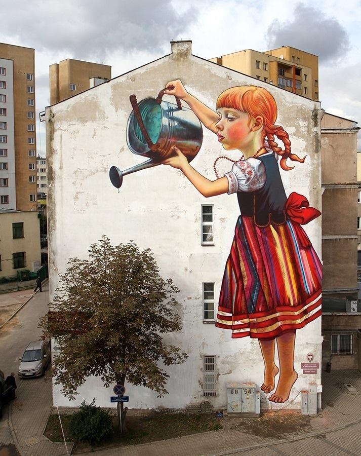 """""""The Legend of giants"""": un famoso intervento di Natalia Rak realizzato in Polonia"""