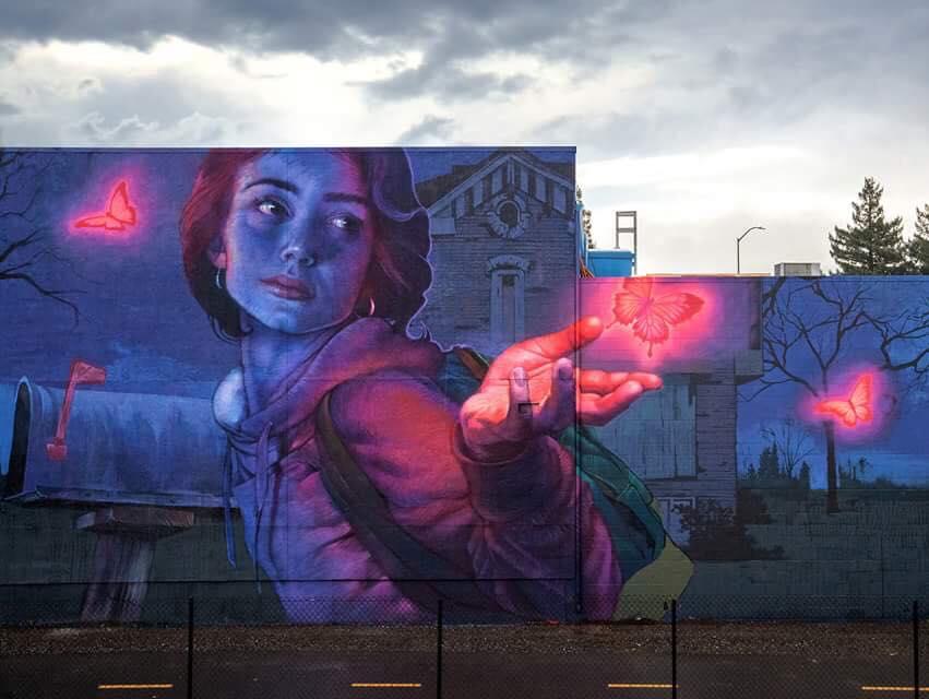 Street art e moda, l'arte surreale di Natalia Rak per Medicine