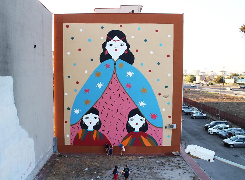 Un murale de La Fille Bertha realizzato al Parco dei Murales di Napoli