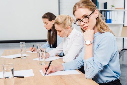 Le donne nelle professioni digitali sono ancora troppo poche, lo dice una ricerca