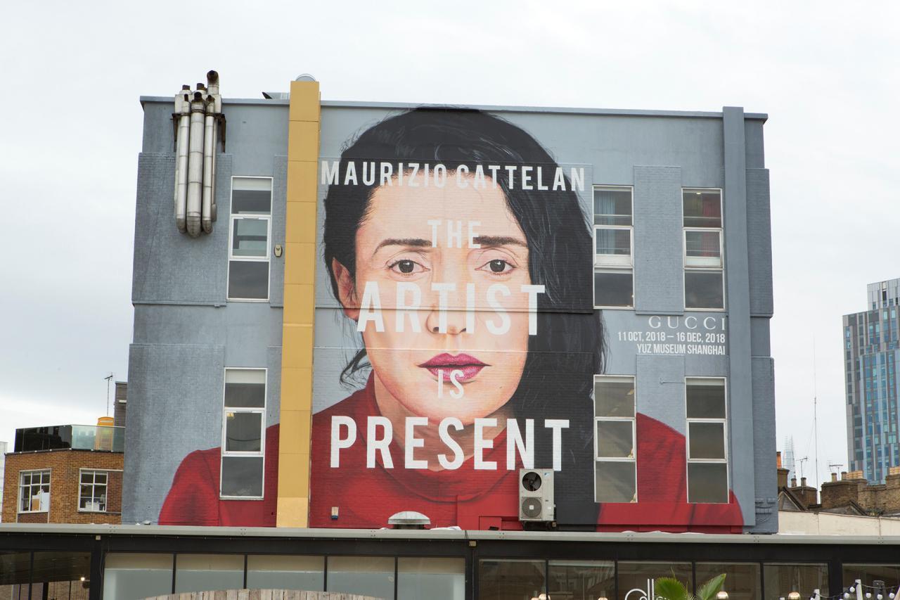 Gucci e Cattelan celebrano l'arte di copiare con quattro murales
