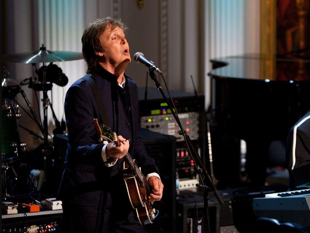 Colpo grosso per YouTube, Paul McCartney suonerà dal vivo i successi dei Beatles