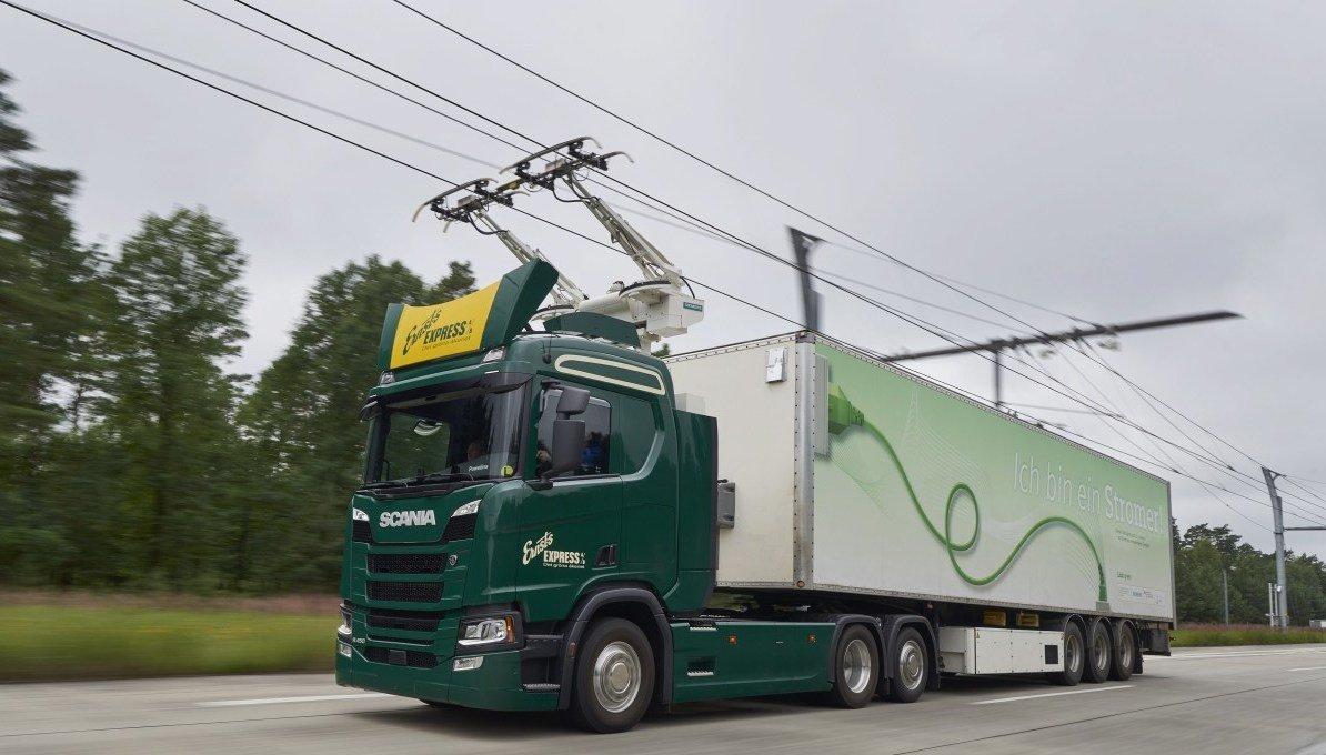 Siemens e Scania progettano un'autostrada elettrica per i camion